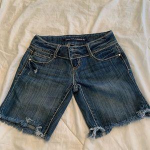 Almost famous premium shorts